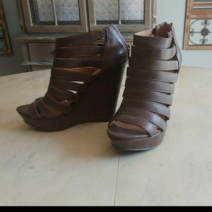 Womens Chinese Laundry Brown Wedges